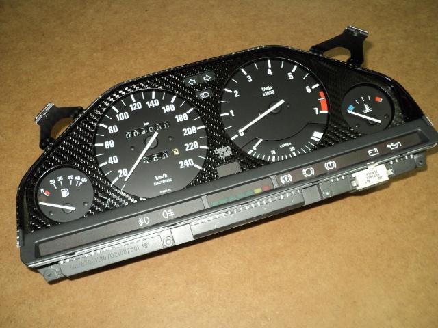 BMW E30 Licznik z Carbonu Image